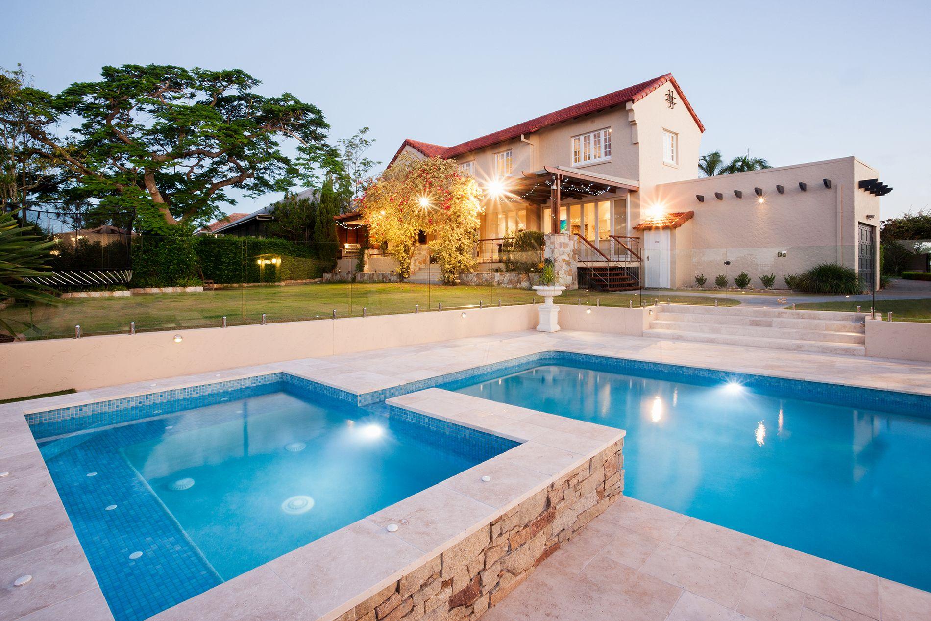 Pools & Surrounds Tiling